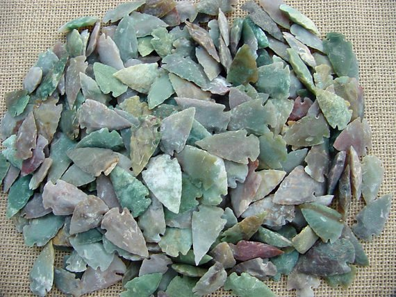 "25 bulk arrowheads reproduction stone1 to 1 1/2"" inch buLC"