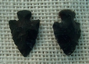 1 pair arrowheads for earrings black stone replica points sa422