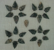 25 mini arrowheads tiny natural stone replica arrow points mt27