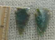 1 pair arrowheads earrings green color stone replica point ae134